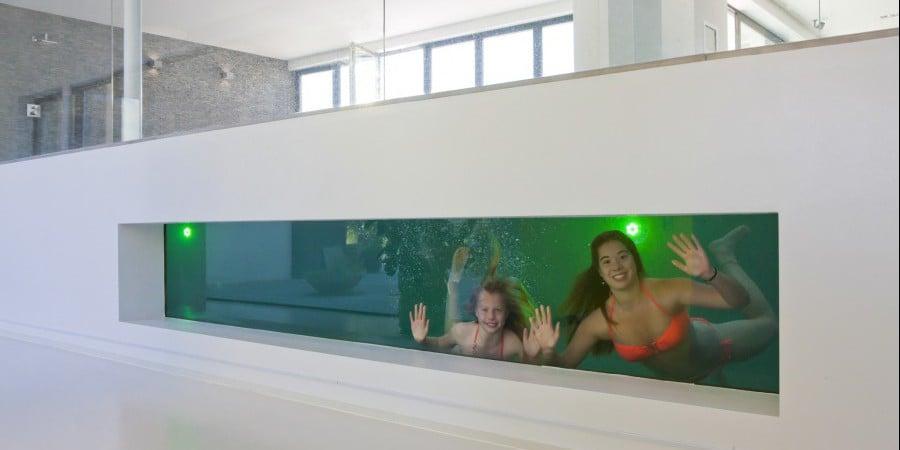 <p>zwembad met extra beleving</p>