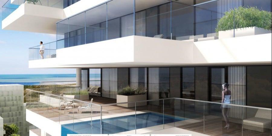 <p>zwembad in appartement aan zee</p>