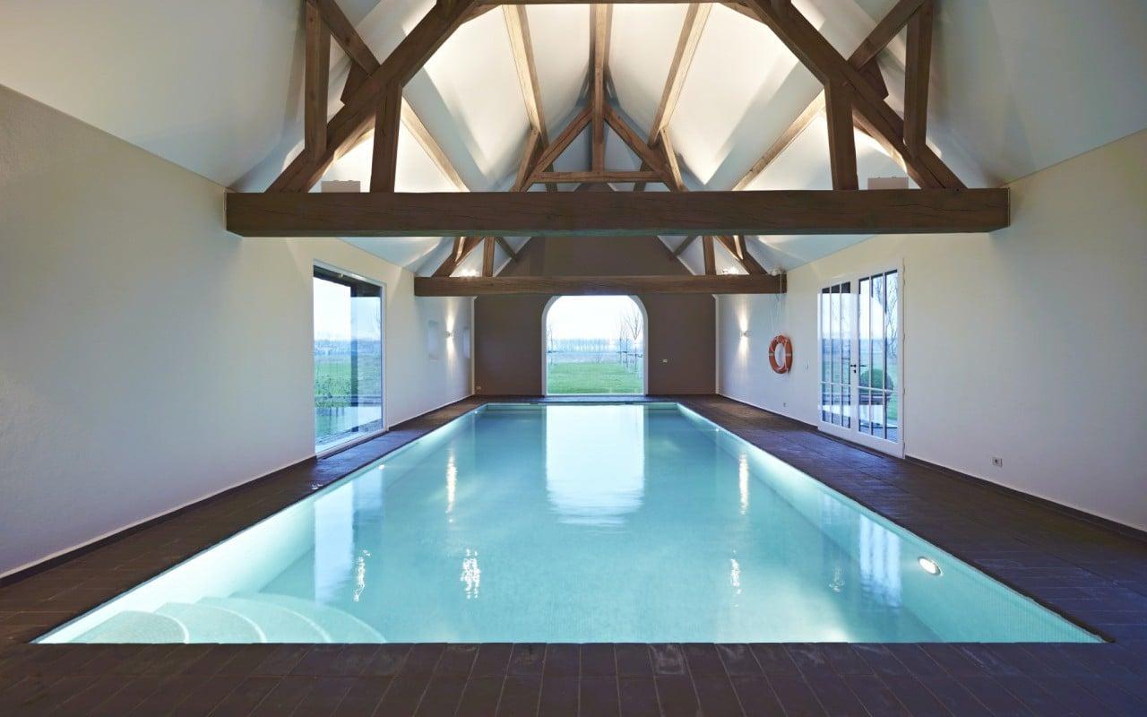 Binnen en buitenzwembaden een secuur maatwerk bob for Binnen zwembaden